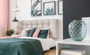 Vytvorte vo svojej spálni útulný priestor na odpočinok a relax.